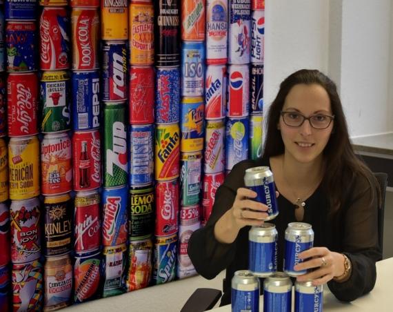 Verena Stentenbach arbeitet im Unternehmen Ball Packaging Europe Bonn und hat von 2000 bis 2004 Maschinenbau an der Hochschule Bonn-Rhein-Sieg studiert. /Quelle: Askin, Pucelik, Yorulmaz