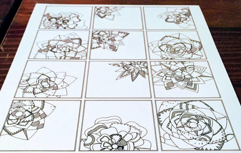 Raster aus 12 Kacheln, jeweils vier in drei Spalten. Jede Kachel enthält die Umrisse einer Blüte.
